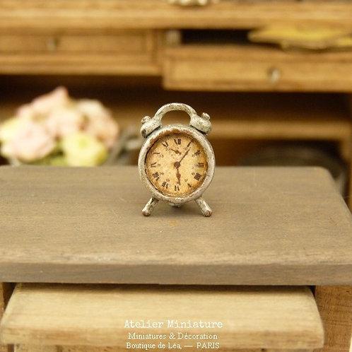 Petit Réveil Miniature Rétro en Métal, Shabby Industriel, Maison de Poupée