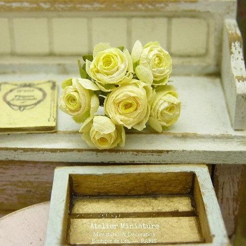 6 Roses Miniatures, Fleurs en Papier, 100% fait main, Maison de Poupée
