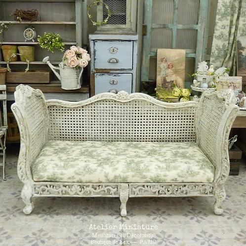 Sofa Victorien de style Louis XV, Imitation Cannage, Maison de Poupée