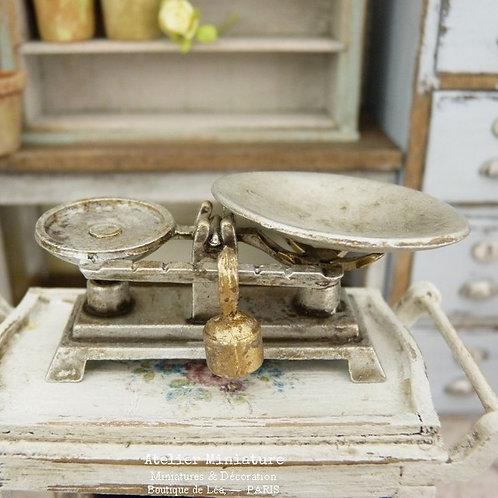 Balance Roberval Vintage en Métal, Shabby Industriel, Maison de Poupée