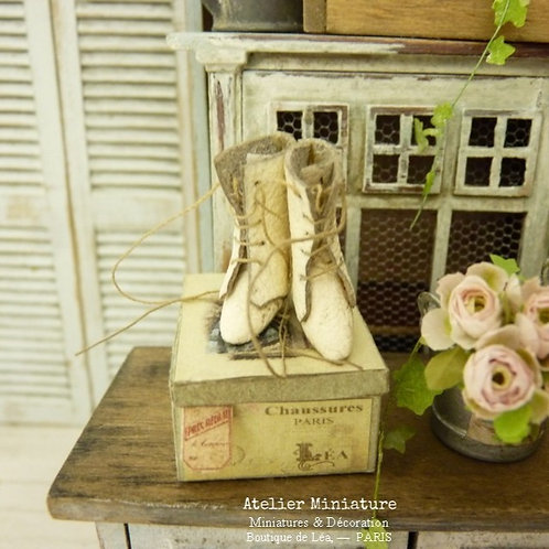 Miniature Boots, Aged off-white, Imitation Leather, French Dollhouse, 1:12th scale