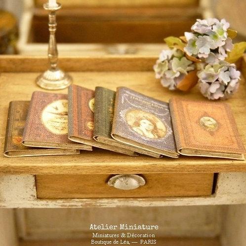 Six Livres (fermés), Miniatures en papier, Échelle 1/12
