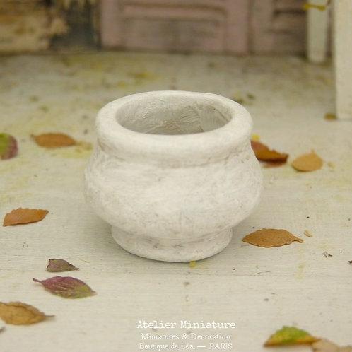 Pot Miniature en Terre Cuite, Peint en Blanc et Vieilli