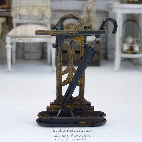 Porte-parapluie miniature, Métal Rouillé, Maison de Poupée, Échel