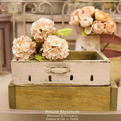 Cagette Miniature en Bois, Rose Shabby Chic, Échelle 1/12