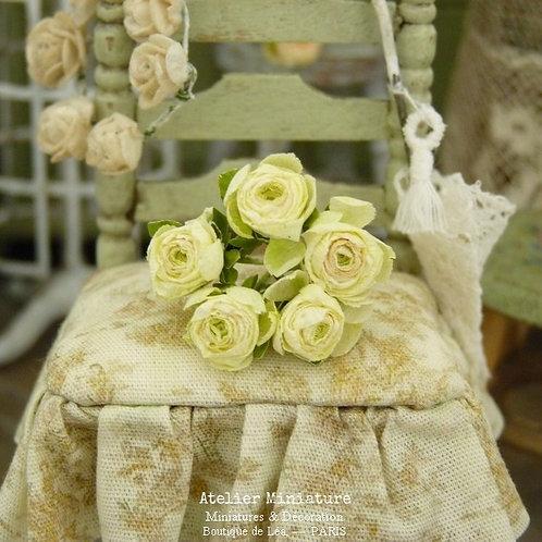 Bouquet de 5 Roses Miniatures, Jaune Pâle, Fleurs en Papier, Maison de Poupée
