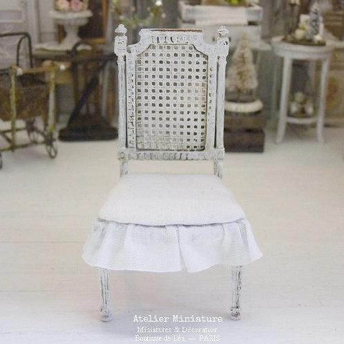 Chaise Miniature de style Gustavien, Imitation Cannage, Blanc, 1/12