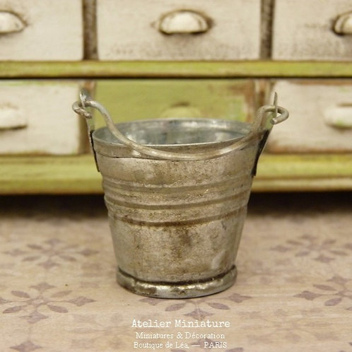 Seau Miniature en métal, Grand Modèle, Maison de Poupée, 1/12