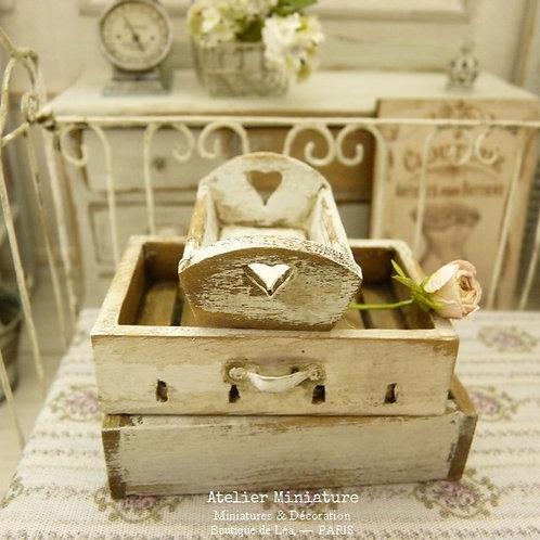 Petit Plateau miniature en bois, Shabby Chippy Blanc, Maison de Poupée, 1/12