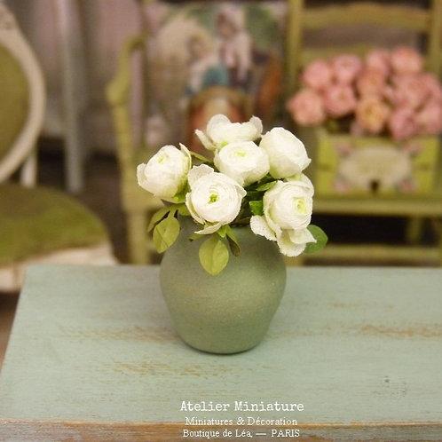 Vase de 6 Roses Blanches Miniature, Maison de Poupée