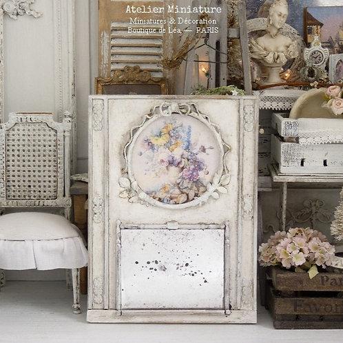 Miroir-Trumeau Vieilli Miniature en Bois, Blanc Shabby Chic, Échelle 1/