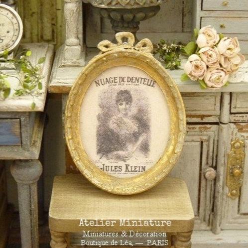 Cadre Oval Miniature, Or Patiné, Maison de Poupée