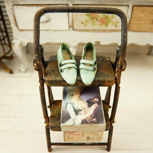 Miniature Green Shoes, Fashion accessory, Doll House, Scale 1/12