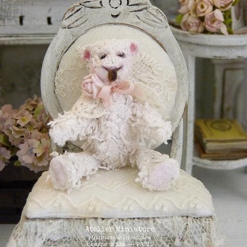 Ourson  Miniature Blanc Rosé, Maison de Poupée 1/12