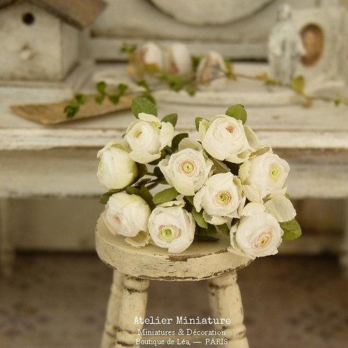 Bouquet de Roses Blanches Miniatures, Fleurs en Papier, 100% fait main