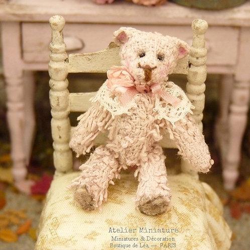 Ourson Miniature Rose, Maison de Poupée 1/12