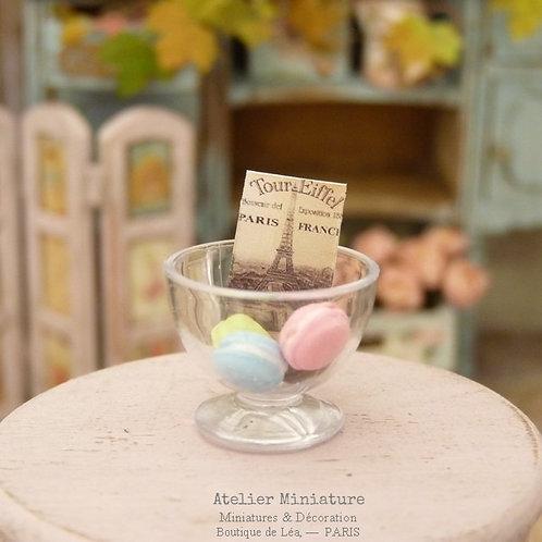 Coupe Miniature en Verre Acrylique, 4 Macarons + Carte Postale, Maison de Poupée