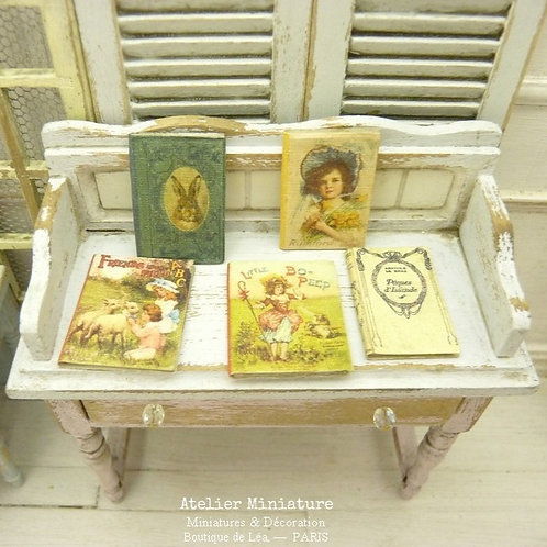 Livres Miniatures (fermés), Maison de Poupée
