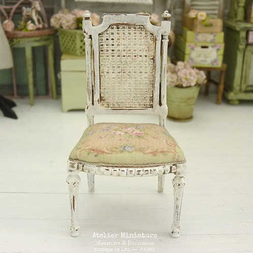 Chaise Miniature de style Gustavien, Imitation Cannage Blanc, 1/12