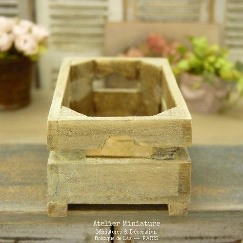 Cagette Miniature en Bois Vieilli Cérusé, Échelle 1/12