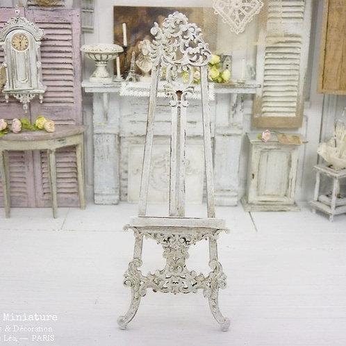 Chevalet Miniature en Bois, Style Victorien, Shabby Chic Blanc, Échelle