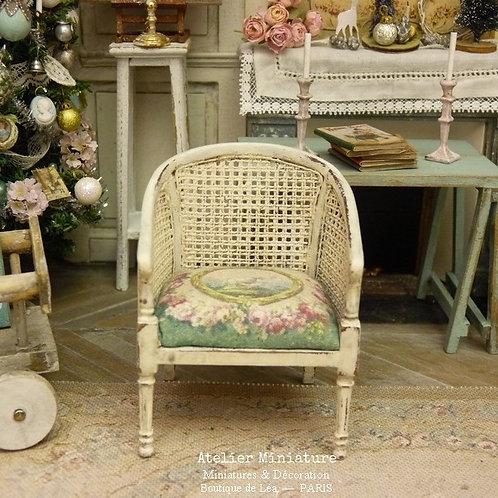 Fauteuil style Directoire, Imitation Cannage, Roses Aubusson, Maison de Poupée