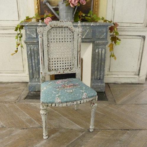 Chaise Miniature de style Gustavien, Imitation Cannage, Gris Vieilli,1/12