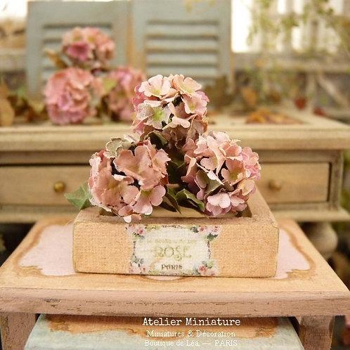 3 Hortensias Miniatures d'Automne, Fleurs en Papier, 100% fait main, 1/12