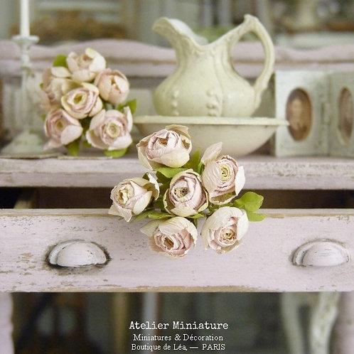 6 Roses Miniatures, Fleurs en Papier, 100% fait main, Maison de Poupée, 1