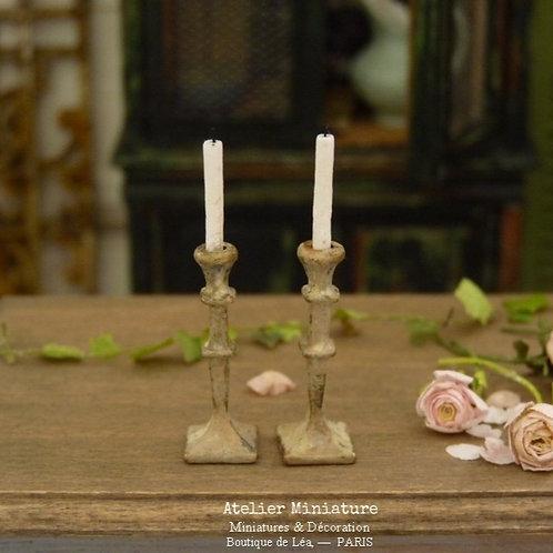 Paire de Bougeoirs Miniatures en Métal, Maison de Poupée, Échelle 1/12