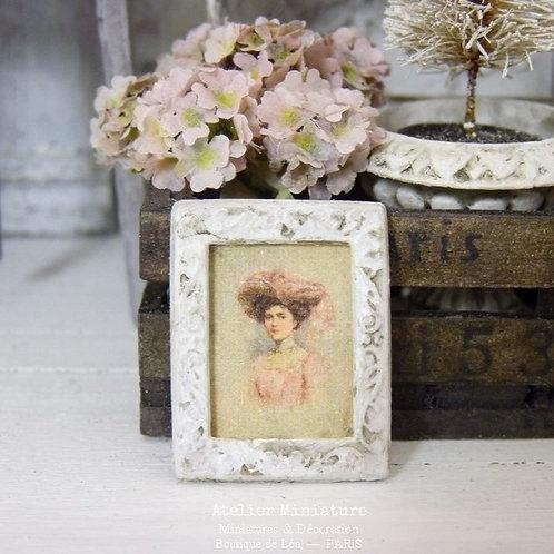Cadre Miniature en Métal, Portrait 1900, Maison de Poupée, 1/12