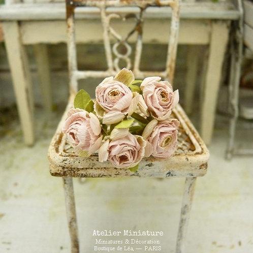 5 Roses Miniatures, Fleurs en Papier, 100% fait main, Maison de Poupée,5