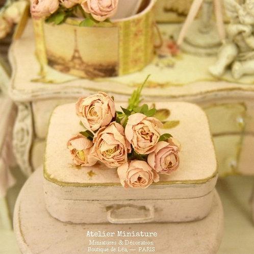 Bouquet de 6 Roses Roses Miniatures, Nuances de Rose, Maison de Poupée, 1/12