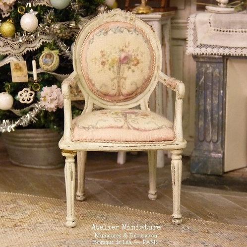 Cabriolet Médaillon Louis XVI, Marie-Antoinette, Aubusson rose, 1/12