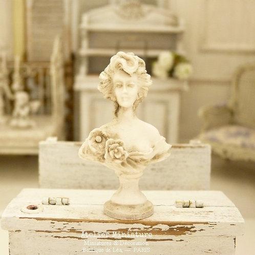 Buste Miniature en Résine, Femme XIXe, Façon Plâtre Vieilli, Maison de Poupée