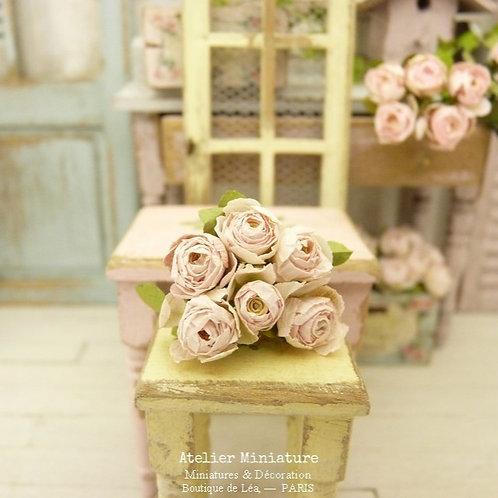Bouquet de 6 roses miniatures, rose pâle, Fleurs en papier,Maison de Poupée 1/12