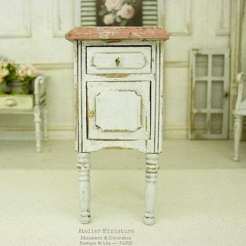 Chevet Miniature, Blanc vieilli, Imitation marbre rose, Maison de poupée, 1/12