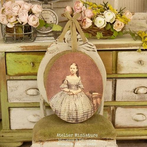 Panneau Ovale Miniature en Bois, Photographie 19e, Maison de Poupée 1/12
