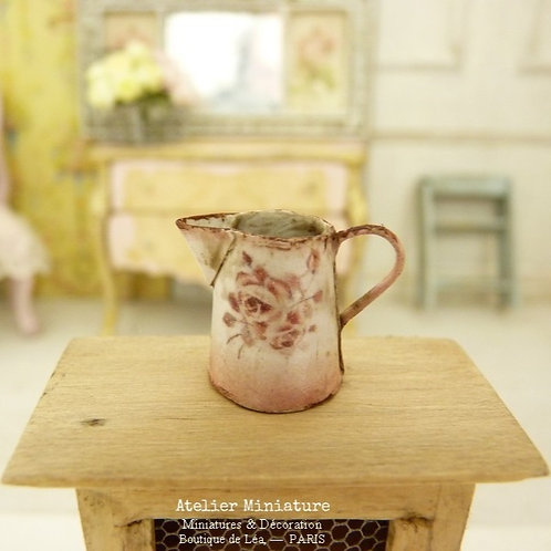 Miniature pink jug, Imitation Rusty enamel, Vintage roses stencil, Dollhouse collectible 1:12th scale