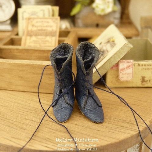Bottines miniatures, Bleu Marine vieilli, Imitation cuir, Maison de Poupée