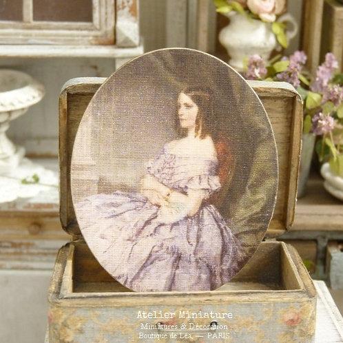 Panneau Ovale Miniature en Bois, Femme en Robe Parme