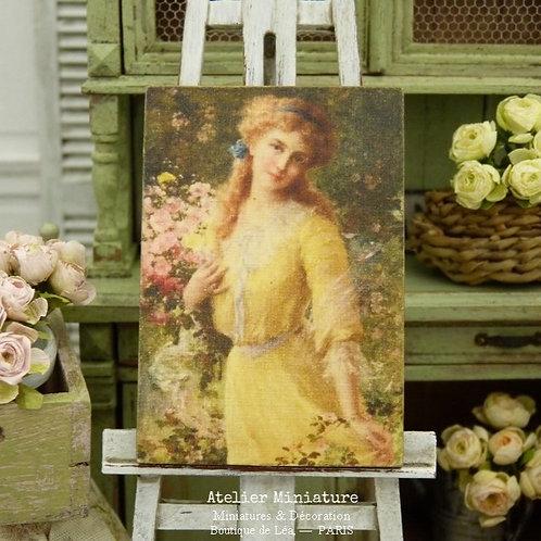 Panneau Miniature en Bois, Jeune femme en Robe Jaune, Échelle 1/12