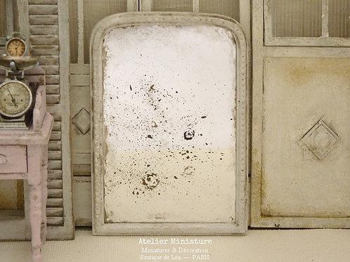 Miroir Vieilli Miniature, Structure en Résine, Blanc Shabby Chic, Échelle 1/12