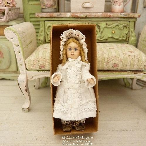 Poupée miniature style Bébé Jumeau, Coton Plumetis Blanc, Maison de poupée