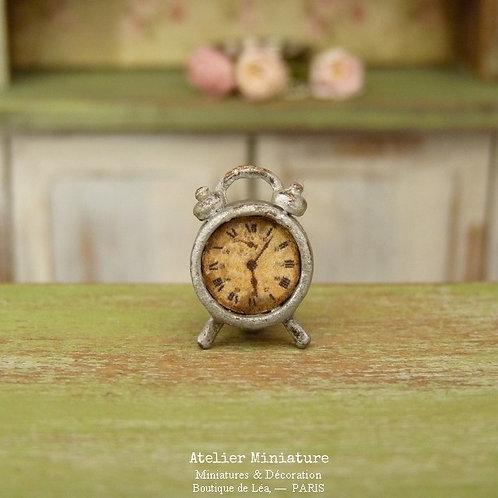 Petit Réveil Miniature Rétro en Métal, Shabby Industriel, Maison de Poupée,1/12
