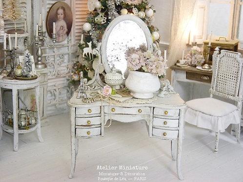 Coiffeuse Miniature en Bois, Blanc Shabby Chic, Maison de Poupée, Échel