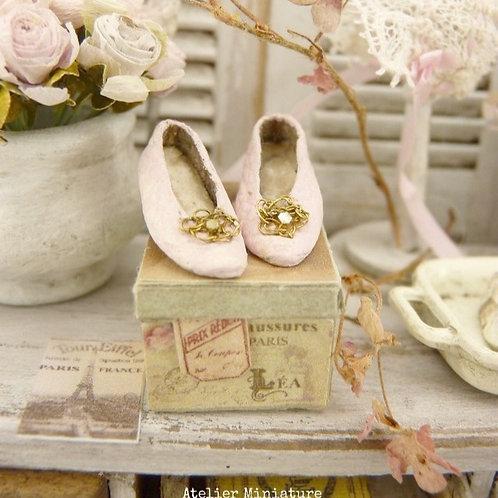 Chaussures Miniatures Roses, Accessoire de Mode, Maison de Poupée