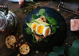Ägg och spenat sallad