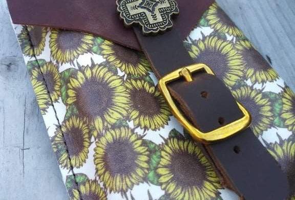 Sunflower Back Cinch Saddle Pouch