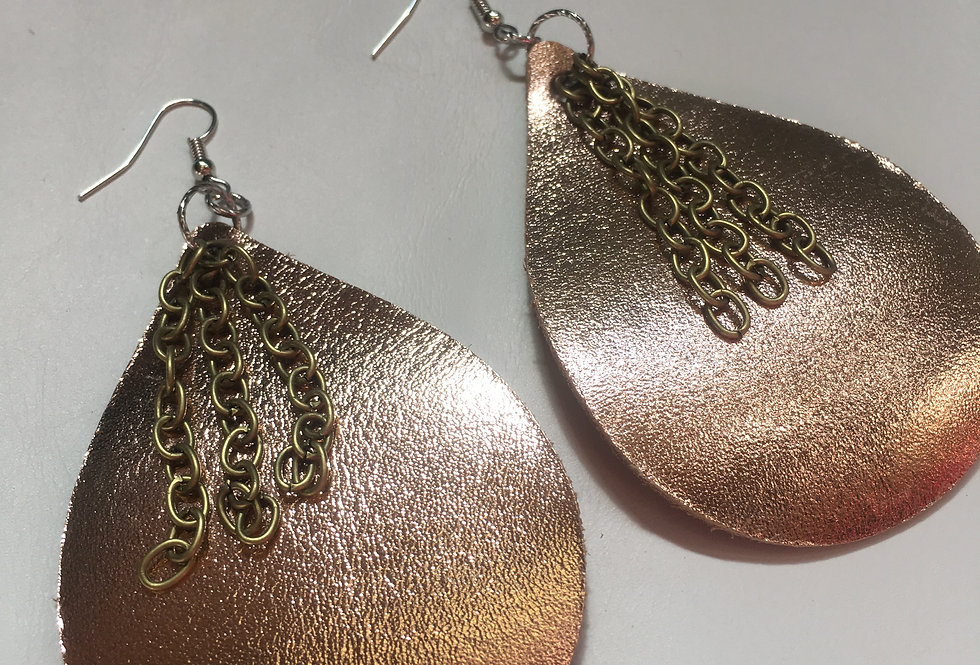 Rose gold chain earring